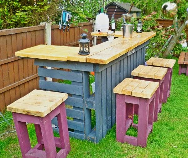 ma maison au naturel un bar de jardin en palettes faire vous m me. Black Bedroom Furniture Sets. Home Design Ideas