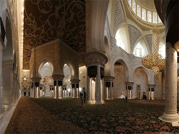 Masjid Besar Luas 5 Kali Lapangan Sepak Bola