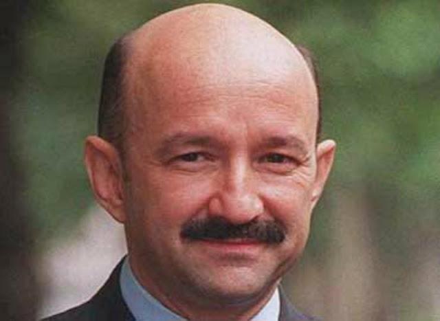 Mas 850 mil firmas  piden que Carlos Salinas de Gortari termine en prisión. ¿Estas de acuerdo?