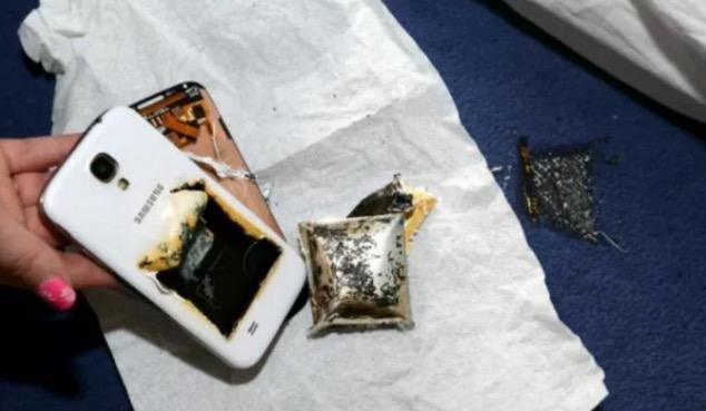 Letak Handphone Bawah Bantal Boleh Sebabkan Kebakaran