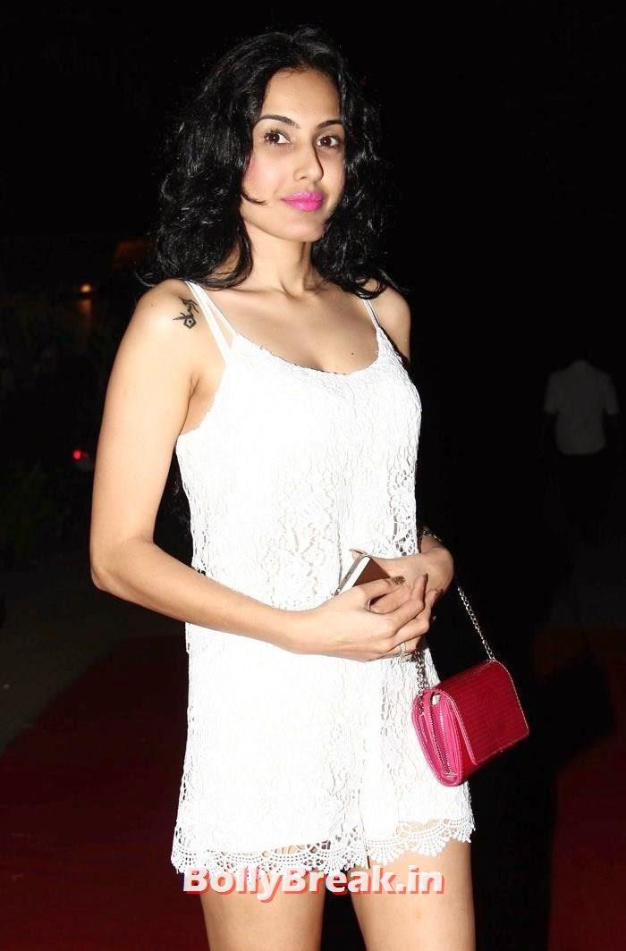 Kamya Panjabi, Sunny Leone, Koena Mitra Hot Pics from  Rohit Verma's Bridal Show