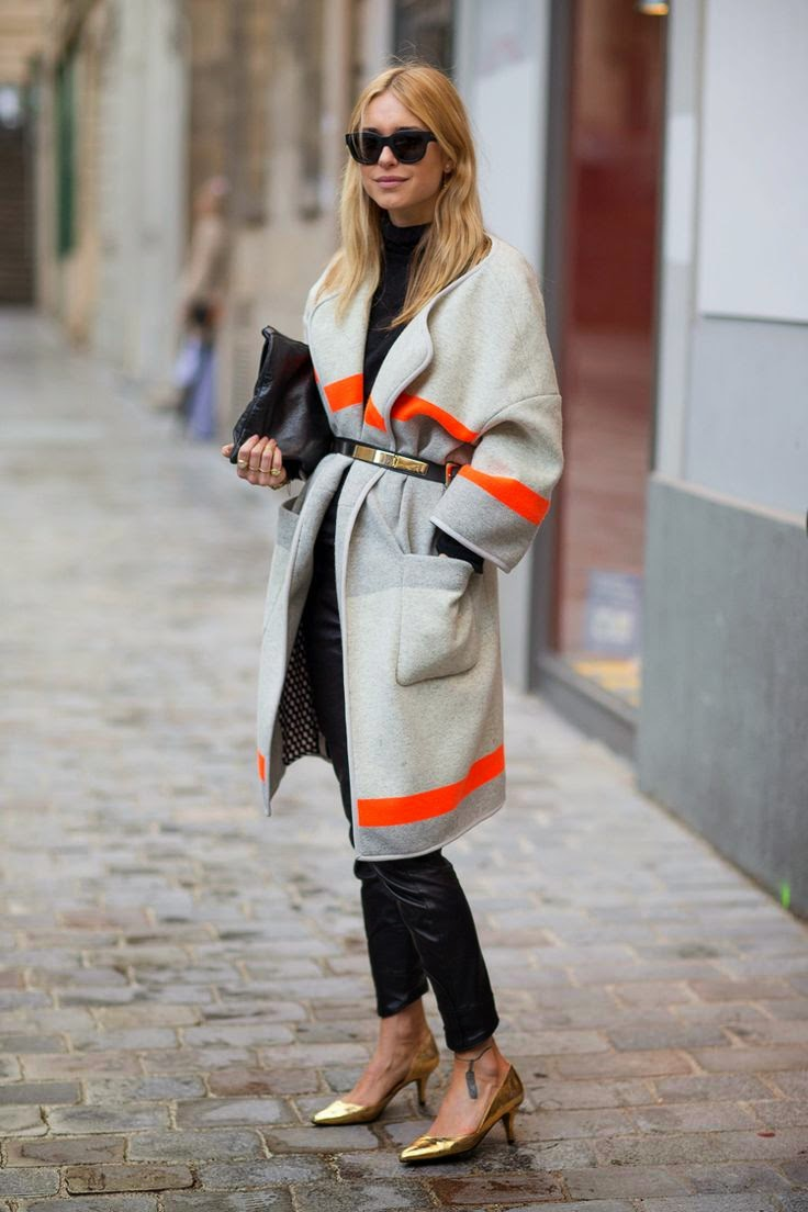 pernille-teisbaek-outfit-grey-coat-belt