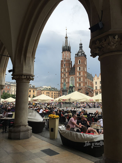 Cracovia fotos arco en la Plaza Mayor del Mercado