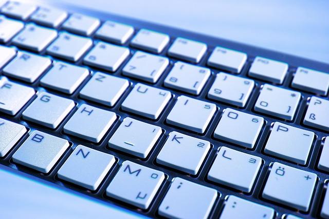 कीबोर्ड में मौजूद F और J के ऊपर उभार क्यों होता है