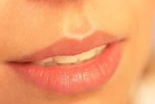 Penyebab Bibir Menghitam dan Tips Alami Mengembalikan Warna Bibir Lebih Indah