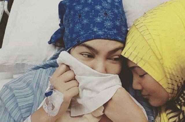 Erra Fazira Muat Naik Gambar Umie Aida Dimasukkan Ke Hospital