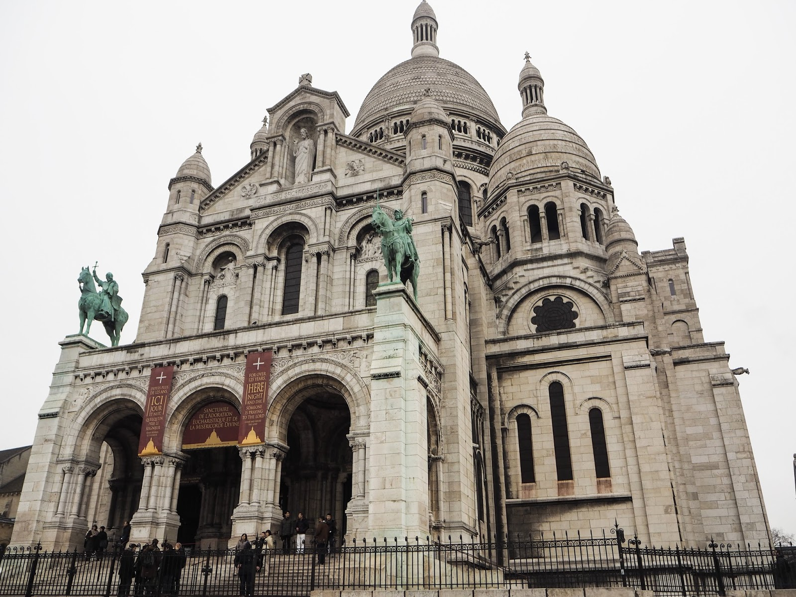 Paris City Guide - What to See - Sacre-Coeur