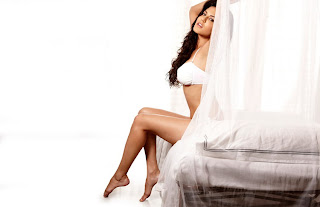 sunny leone hot in bed