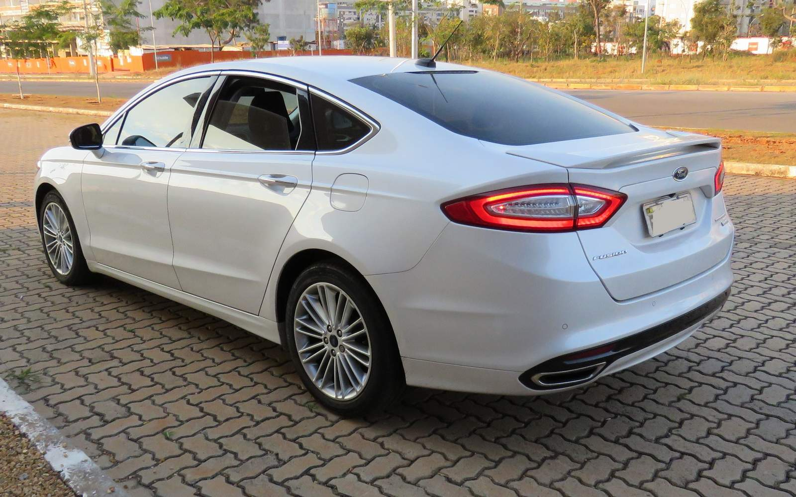 cars videos fusion angular trend and photos front sedan rating se ford motor reviews