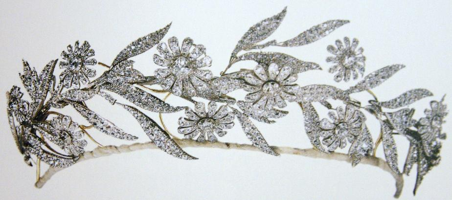 Diamond Ivy Leaf Pendant