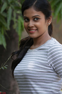 Actress Chandini in ed Tight Top at Ennodu Yilayadu tamil movie press meet ~  04.jpg