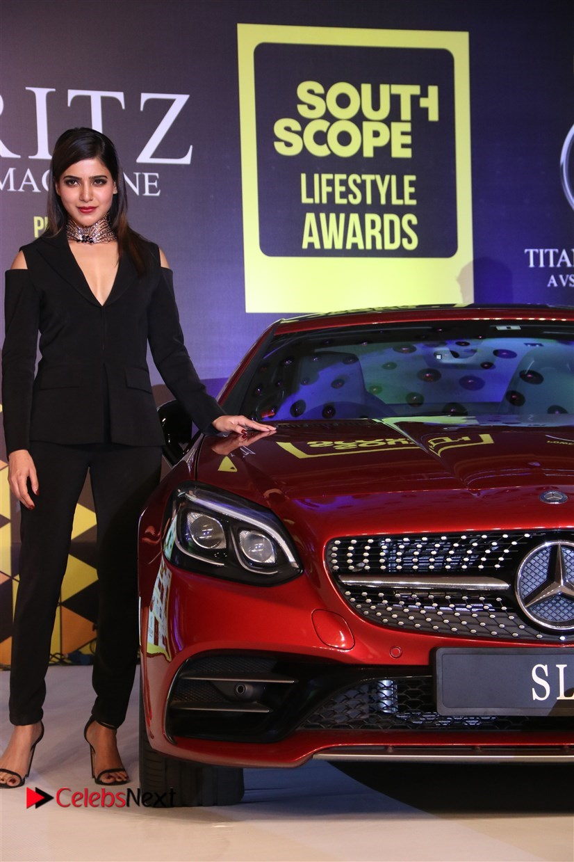 Samantha Ruth Prabhu in a Deep neck Top at South Scope Lifestyle Awards 2016