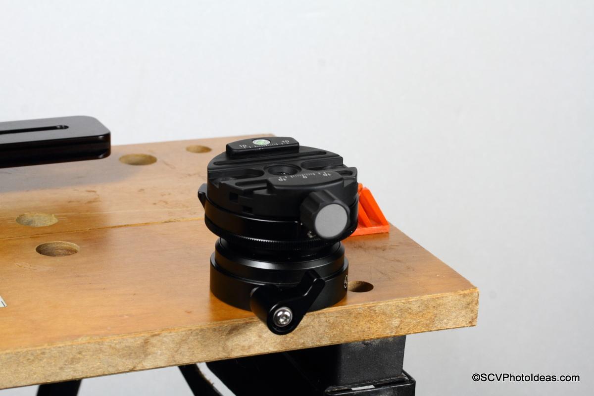 Sunwayfoto DYH-66i bolted on workbench