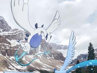 Esse cara viaja em um mundo completo de Pokémon