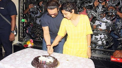 Aamir-khan-cuts-cake-with-wife-Kiran