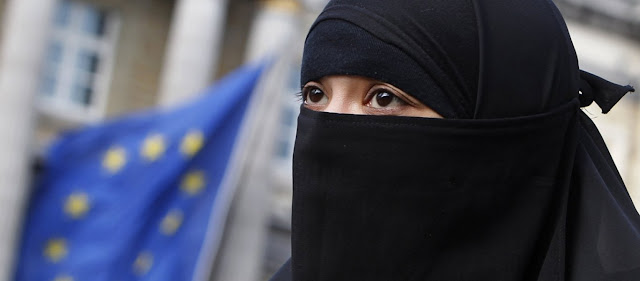 Κατάρ: Κοινωνιολόγος εξηγεί τον σωστό τρόπο για να δέρνει κανείς τη γυναίκα του