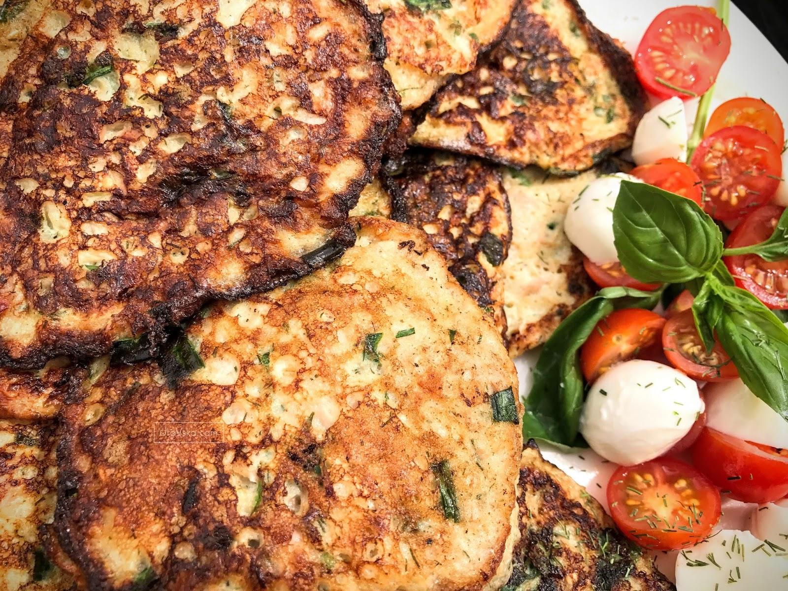 Śniadanie Mistrzów w 5 minut - Fit placuszki ze szczypiorkiem i tuńczykiem na jogurcie bez mąki