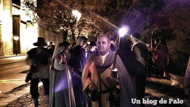 Desfile de las antorchas desde el Puente de Santa María, Burgos