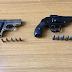 Gioia del Colle (Ba). I Carabinieri hanno arrestato un pregiudicato 61enne che nascondeva in casa due pistole clandestine con relativo munizionamento