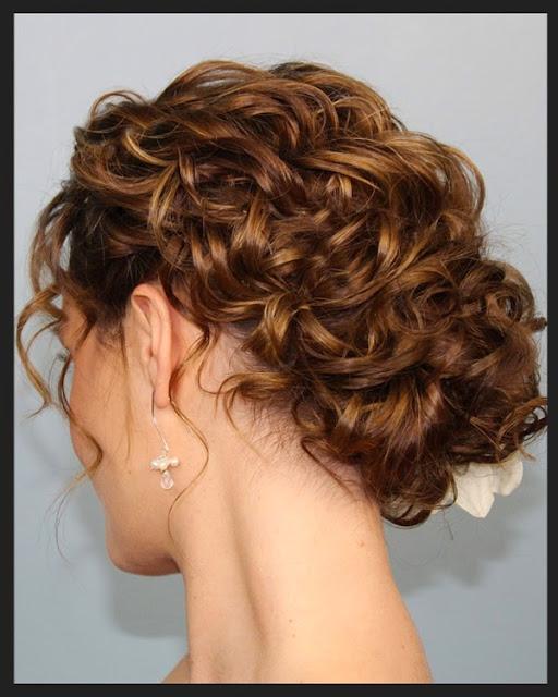 coque lindo em cabelo cacheado