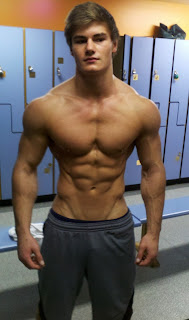 aesthetic 18 year old bodybuilder jeff seid