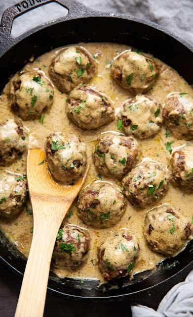 Seriously Amazing Swedish Meatballs in Brown Gravy