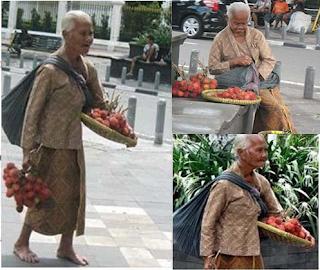 wanita tua renta