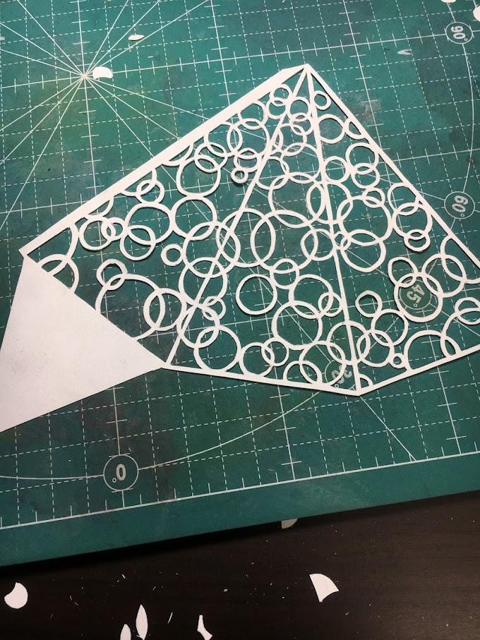 切り絵で立体クリスマスツリーを作ってみた その2~切り絵立体化の落とし穴