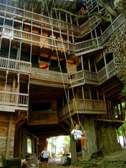 Kraftykym World S Tallest Tree House