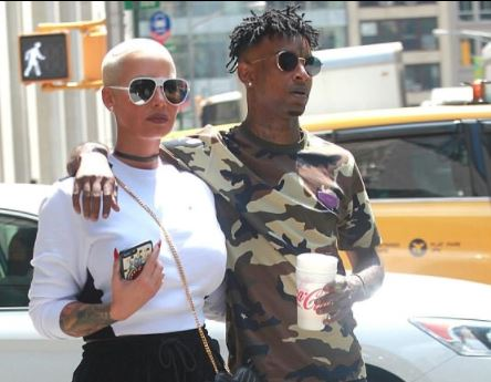 Amber-rose-and-boyfriend-21-Savage-steps-out-in-style-as-they-stroll-in-NYC