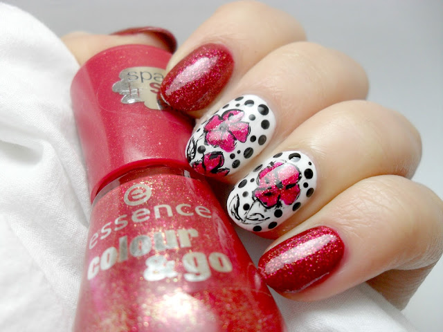 Essence me & my lover  flower nail art