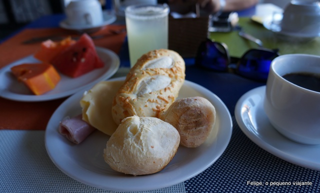 café da manhã da Pousada dos Tangarás, em Búzios