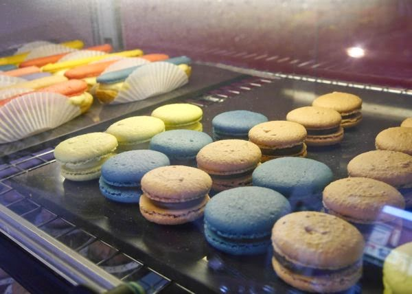 Macarons and Maclairs