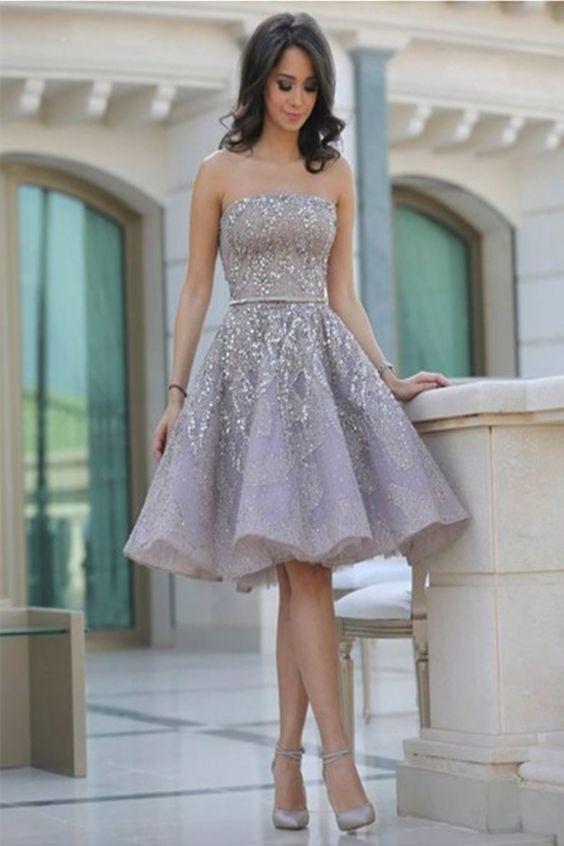 Vestido corto con piedras