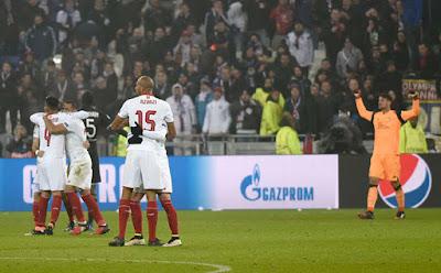 Crónica Olympique de Lyon 0 - Sevilla FC 0