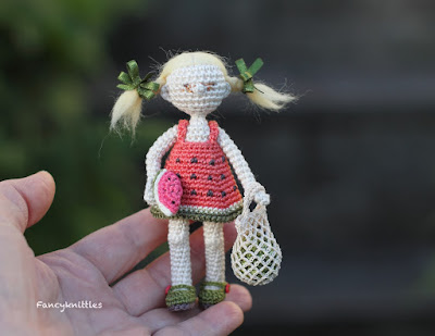 https://www.etsy.com/listing/622924475/watermelon-dress-miniature-crochet-doll?ref=shop_home_active_6