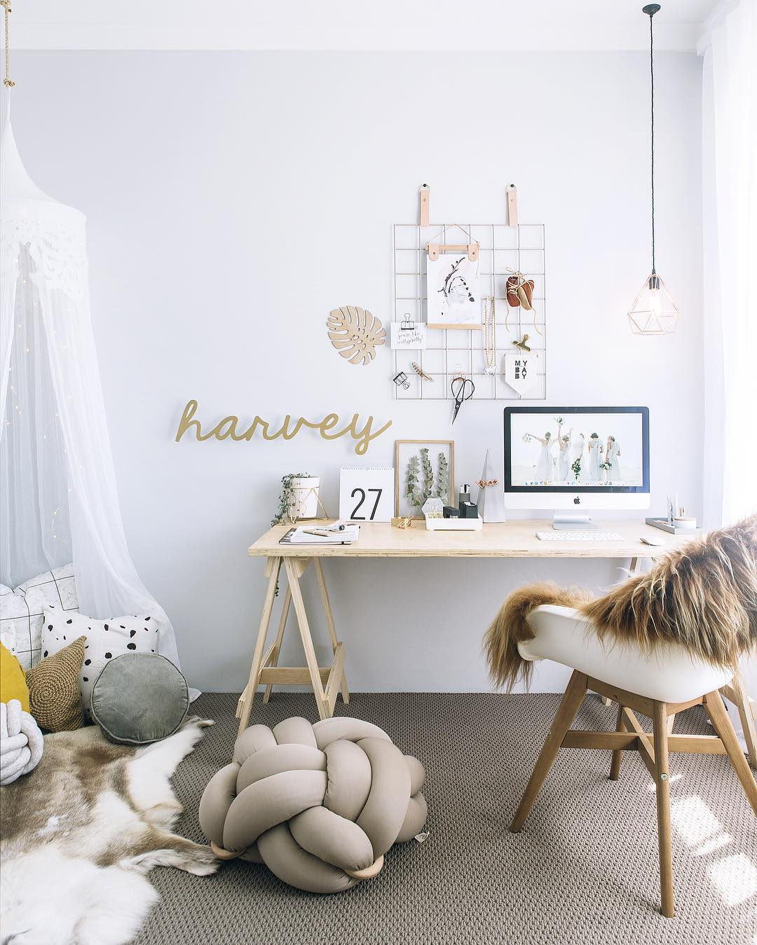 This darling home office retreat is #goals - Daily Dream Decor
