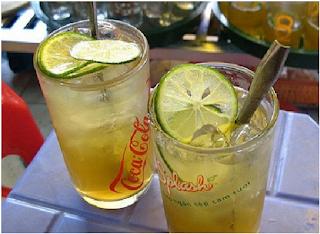 tra da - street drinking in Vietnam 2