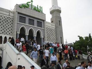 Hasil carian imej untuk masjid