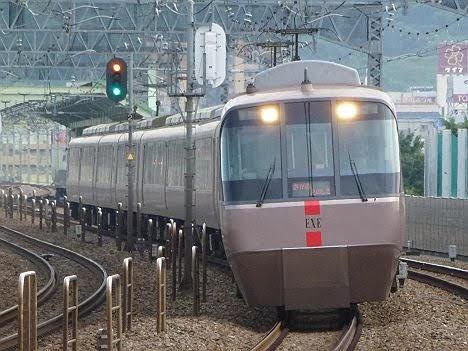 小田急電鉄 さがみ/えのしま号 EXE30000形
