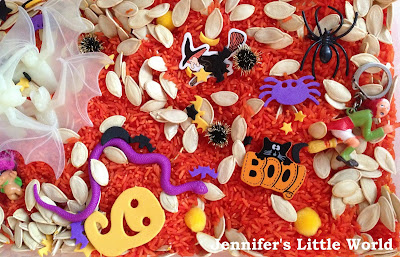 Halloween sensory tub materials