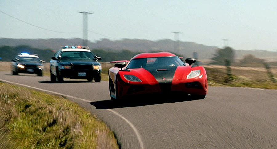 Koenigsegg Agera într-o urmărire din Need For Speed