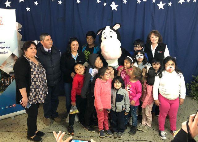 Tradicional celebración navideña de Aproleche Osorno con niños de la provincia