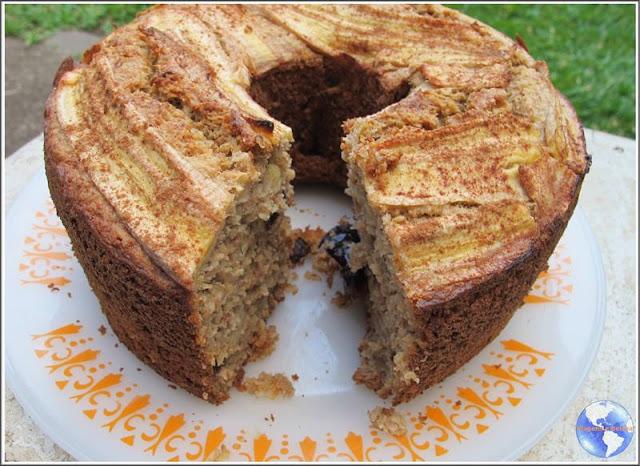 Receita de bolo delicioso de banana e maçã