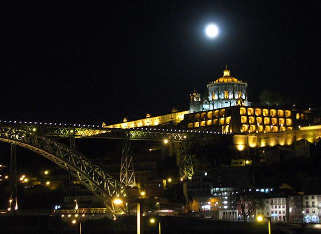 vista noturna no Porto