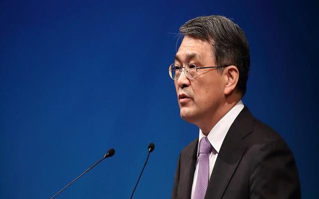 عاجل: رئيس شركة سامسونغ يقدم استقالته من منصبه