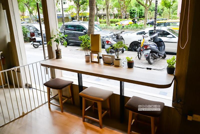 loosedaycafe-5.jpg