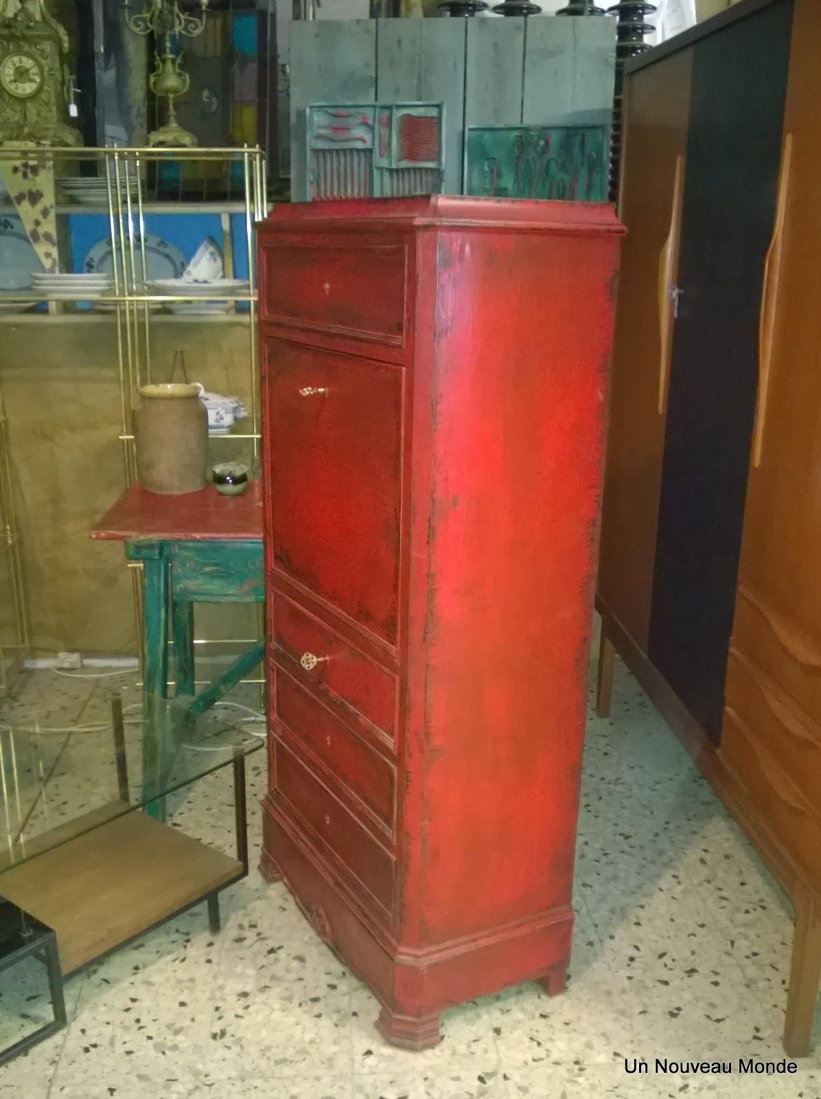 brocante d coration un nouveau monde secr taire napol on iii peint patin rouge. Black Bedroom Furniture Sets. Home Design Ideas