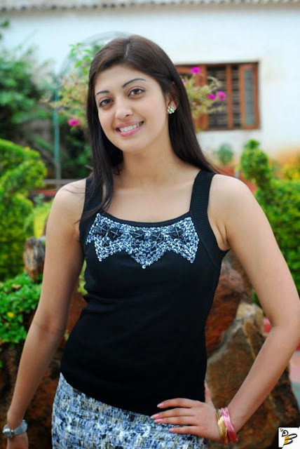 Pranitha Actress Image