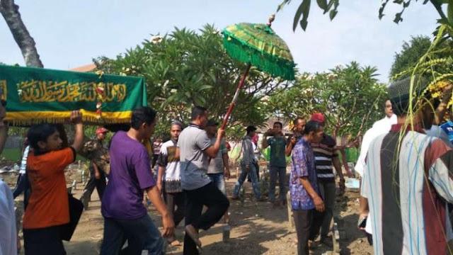 Tangis dan Kalimat Tauhid Selimuti Pemakaman Korban Lion Air